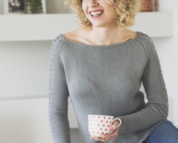 prosty sweterek raglanowy